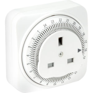 Timer plug advantages  sc 1 st  Light Switch Timer & Timer Plugs u2013 Keeping Your Home Safe When You Go On Holiday - MyDome azcodes.com